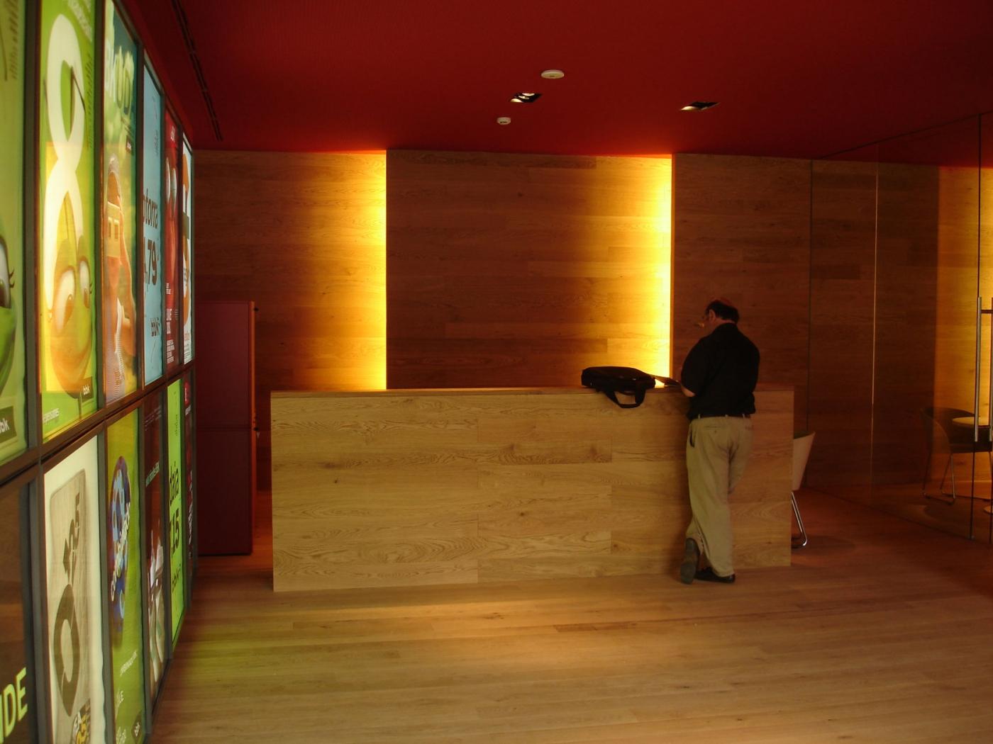 Sucursales bancarias bbk interiorismo dani freixes for Oficinas bbk en barcelona