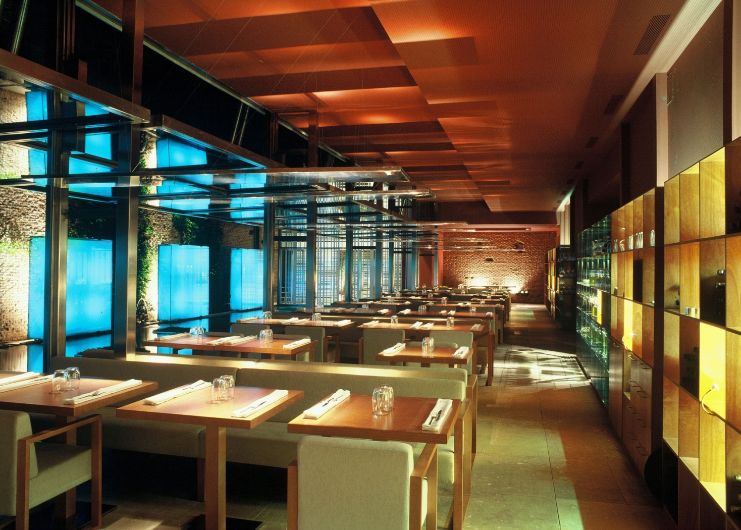 Restaurante pandelujo interiorismo dani freixes for Proyecto de restaurante pdf